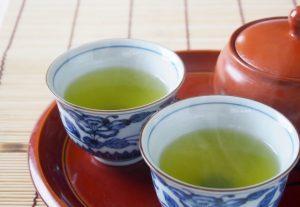 お茶には ビタミンC がたっぷり含まれるという勘違い